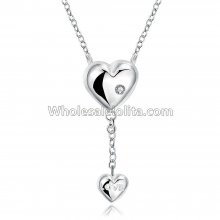 Fashionable Platinum Necklace with Double Heart Pendants for Versatile Occasions