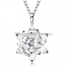 Fashionable Platinum Necklace with Big Flower Pendant for Versatile Occasions