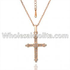 Fashionable Platnium Rose Gold Necklace with Cross Pendant for Versatile Occasions