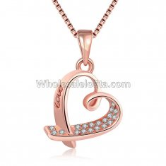 Fashionable Platnium Rose Gold Necklace with Heart Shape Pendant for Versatile Occasions
