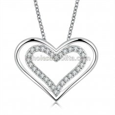 Fashionable Platinum Necklace with Heart Beads Pendant for Versatile Occasions