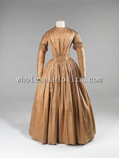Quintessential Style of Mid 1840s V-shaped Bust Victorian Afternoon Dress