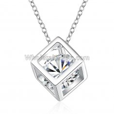 Fashionable Platinum Necklace with Cubic Stone Pendant for Versatile Occasions