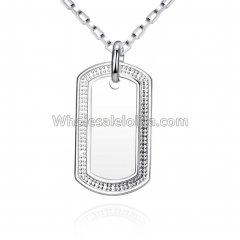 Fashionable Platinum Necklace with Plate Pendant for Versatile Occasions