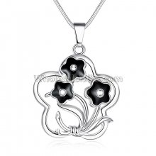 Fashionable Platinum Necklace with Twisting Flower and Leaves Pendant for Versatile Occasions