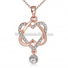 Fashionable Platnium Rose Gold Necklace with Crossed Heart-Shape Pendant for Versatile Occasions