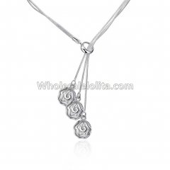 Fashionable Platinum Necklace with Rose Pendant for Versatile Occasions